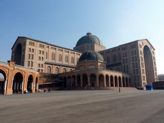 Basilica_Nsa_Sra_Aparecida_03