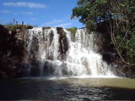 Aguas_de_Sao_Pedro-SP_Cachoeira_da_Ferradura
